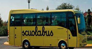 Violenza su minore a bordo del bus scuola: la Polizia individua presunto colpevole