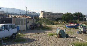 """Libero Gioveni su baraccopoli sotto la ZIR: """"Cinque famiglie rimaste, nonostante la diffida della Capitaneria"""""""