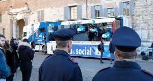 """Safety Internet Day: Polizia e Miur insieme per """"Una vita da social"""""""