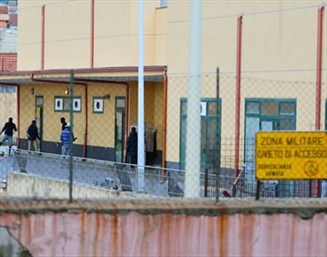 """Fuga di migranti dall'ex caserma Bisconte. Gioveni e Cacciotto: """"Serve un piano di sicurezza efficiente"""""""