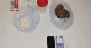 Cocaina e marijuana in casa: arrestato pregiudicato