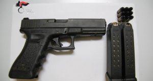 Arrestato trentunenne per detenzione illegale di arma e ricettazione