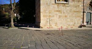 Forte vento a Messina e provincia: crollano calcinacci dal campanile del Duomo e a Taormina eucalipto di 30 metri si schianta al suolo
