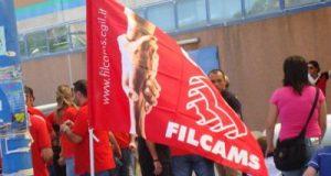 A pasquetta sciopero dei lavoratori di negozi e centri commerciali contro l'apertura nei giorni festivi