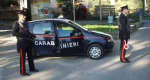 Tenta estorsione a danno dei genitori: arrestato dai Carabinieri