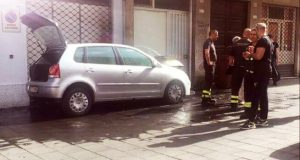 Milazzo, auto in fiamme: intervento dei vigili del fuoco