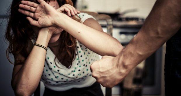 Maltrattamenti tra le mura domestiche: in manette marito e figlio
