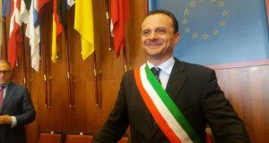 La grande vittoria di Cateno De Luca per il risanamento delle baraccopoli messinesi. Ecco i 12 articoli della legge speciale