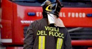 Roccalumera, esplosione in abitazione: intervento dei vigili del fuoco
