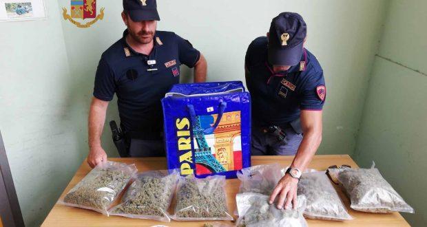 Più di 2kg di marijuana in casa: arrestato 44enne messinese