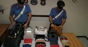Merce contraffatta: denunciato venditore ambulante