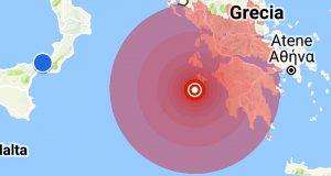 Violento terremoto in Grecia scuote Messina