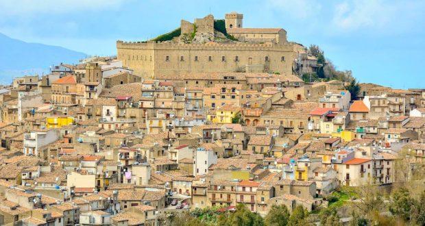 """Montalbano Elicona di nuovo in gara per """"Il Borgo dei Borghi"""": al via le votazioni"""