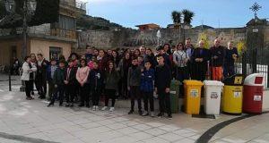 """L'associazione """"Rifiuti Zero Sicilia"""" incontra gli studenti della scuola media di Saponara"""