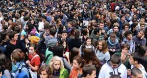 Manifestazione contro accorpamento Maurolico – La Farina: gli studenti in piazza