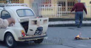 Auto in fiamme a Villafranca Tirrena: salvata coppia di anziani