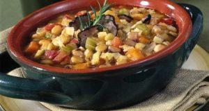 """A tavola con gusto: zuppa di """"cicerchie"""", ricetta della tradizione contadina di Castanea"""
