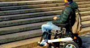 Nuovi scivoli per disabili: divieto di sosta con rimozione coatta