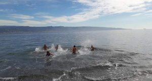 A Mili Marina il bagno a mare d'inizio anno