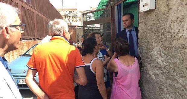 """Baraccopoli a Storie Italiane, Cateno De Luca: """"Una vergogna di cui fino ad ora nessuno si è voluto fare carico"""""""