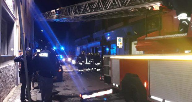 Messina: bomba esplode alle poste di via La Farina
