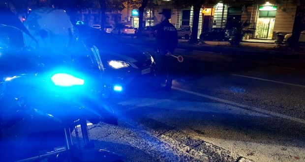 Pizzicato a rubare di notte in un negozio di piazza Castronovo, arrestato dalle volanti