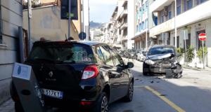 Incidente stradale all'incrocio tra le vie Ugo Bassi e Maddalena