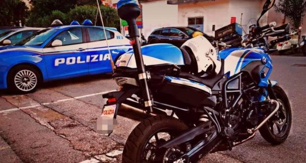 Messina, in casa d'altri con indosso indumenti rubati: 20enne in arresto