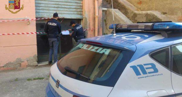 Scoperto deposito di scooter rubati: la polizia sulle tracce dei responsabili
