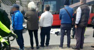 Incidente mortale sulla Consolare Pompea: vittima una ragazza