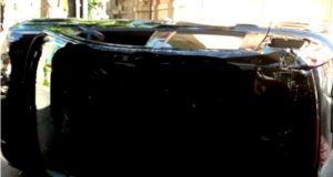 Messina, incidente in via Geraci: auto cappotta, illesi i 2 conducenti