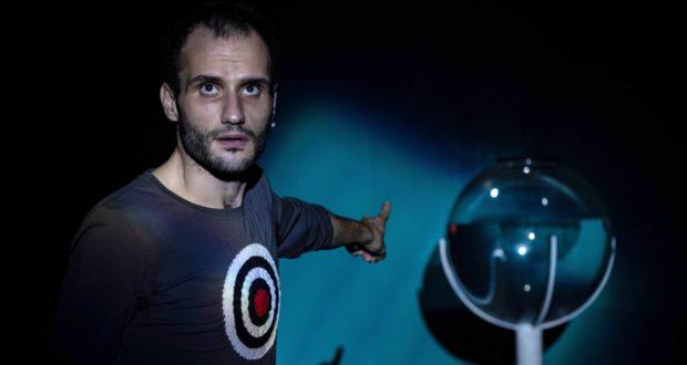 """""""Legittima difesa"""" il 22 luglio per il Cortile – Teatro Festival di Messina"""