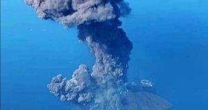 Stromboli, nuova eruzione: momenti di paura per un gruppo di turisti