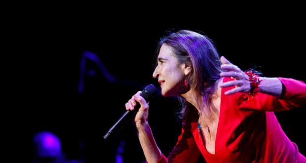 Vittorio Emanuele: Lina Sastri inaugura la nuova stagione