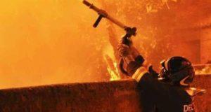 Fabbrica di fuochi d'artificio esplode a Barcellona Pozzo di Gotto