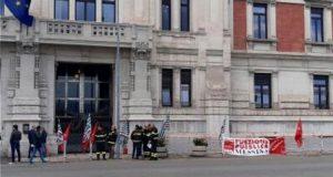 Sciopero Vigili del fuoco: a Messina si protesta davanti alla Prefettura