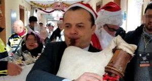 """Messina, De Luca """"natalizio"""" porta doni ai bimbi in corsia"""
