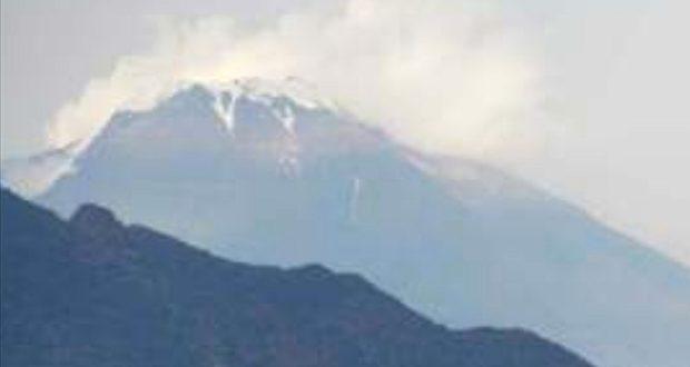 Lo Stromboli erutta baciato dalla neve: è uno spettacolo!