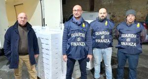 """Pesca illegale: maxi sequestro di """"novellame"""" tra Calabria e Sicilia"""