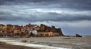 Castel di Tusa, cadavere in decomposizione: ritrovamento choc in spiaggia