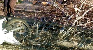 Incidente Messina: catasta di legna manda all'ospedale un centauro