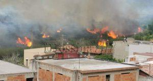 """Incendio a Spadafora, la rabbia del sindaco: """"i Canadair sono arrivati in ritardo"""""""