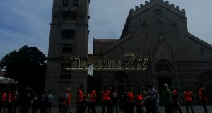 Messina, protesta a Piazza Duomo: tutti senza mascherina
