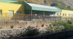 Messina, la disperazione di vivere in una scuola