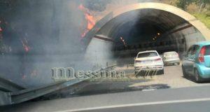 Incendio sterpaglie: lunghe code di auto e guida contromano