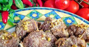 """A tavola con gusto: """"involtini di carne con crema al pistacchio e noci"""""""
