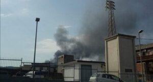 Incendio a Torregrotta: a fuoco deposito
