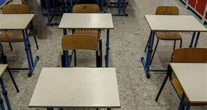 Messina, la scuola riapre ma i banchi monoposto non arrivano