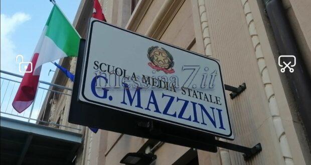 """Protesta genitori e alunni: lettera aperta del preside della """"G.Mazzini"""""""