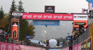 Giro d'Italia: sul traguardo di Piancavallo vince Tao Geoghegan Hart